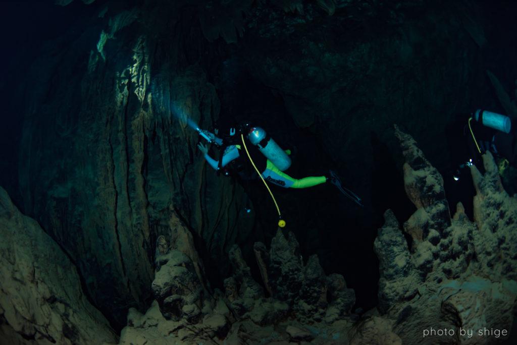 水中鍾乳洞の写真